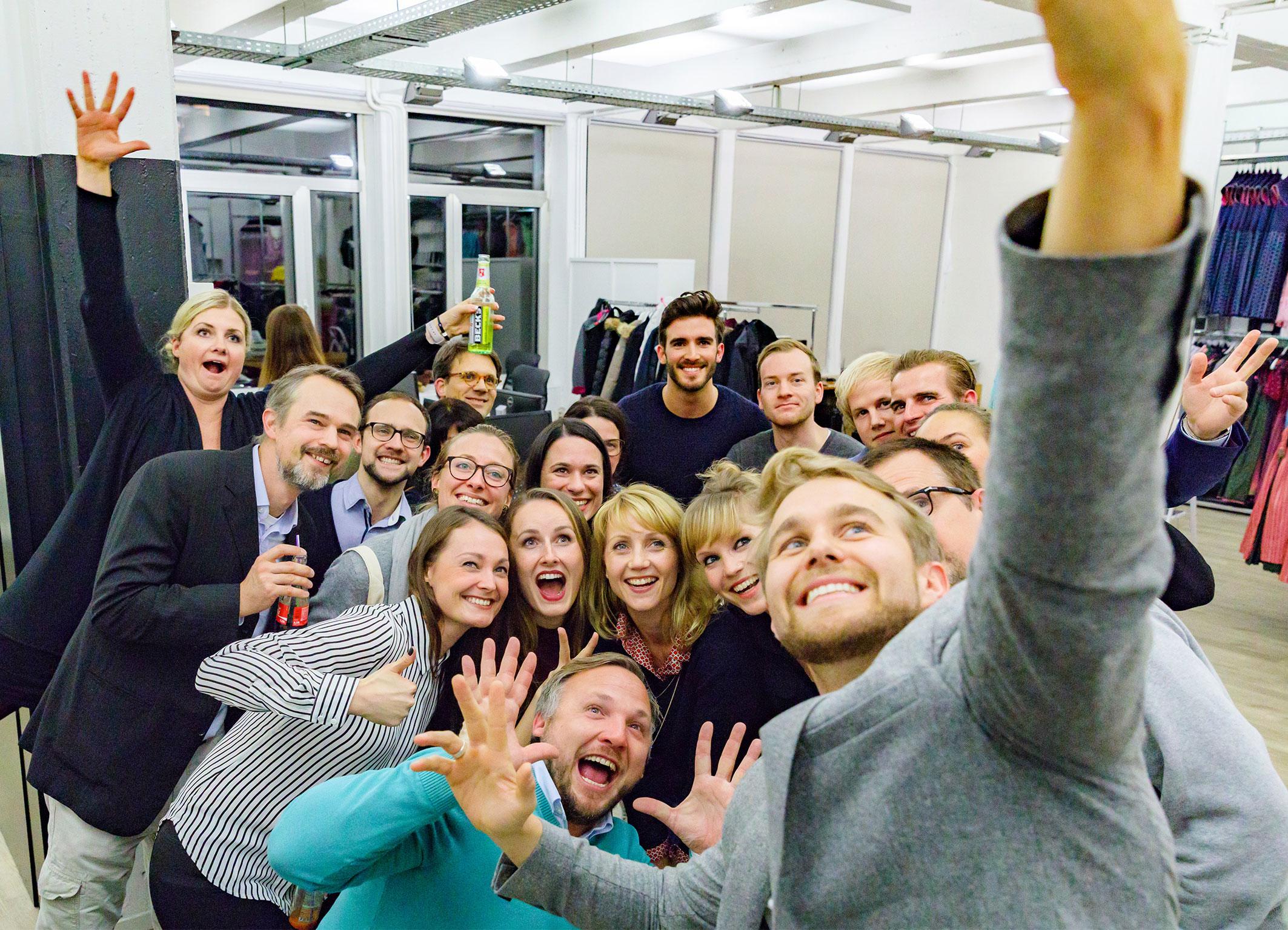 hoehle-der-loewen-startups-hamburg-selfie